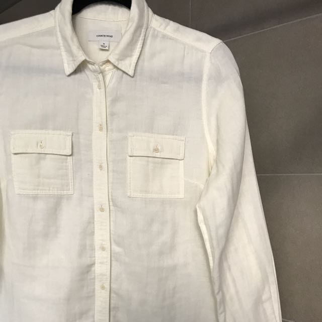 Country Road Like New Button Up Shirt