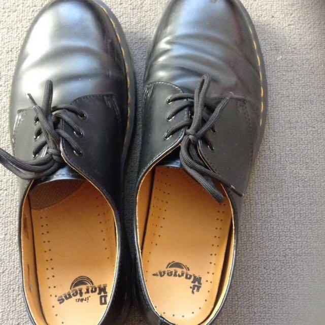 Dr Marten Low Cut Boots