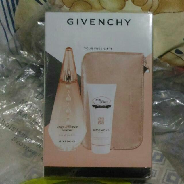 Givenchy Eau de Parfum 3 Piece Set (Original)