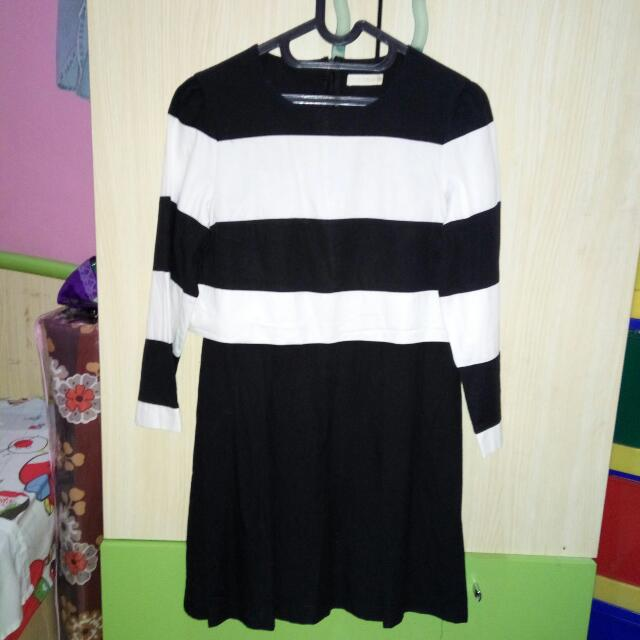 Group Belle Black And White Dress