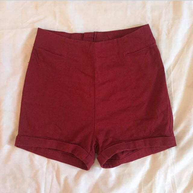 Highwaist Red Short