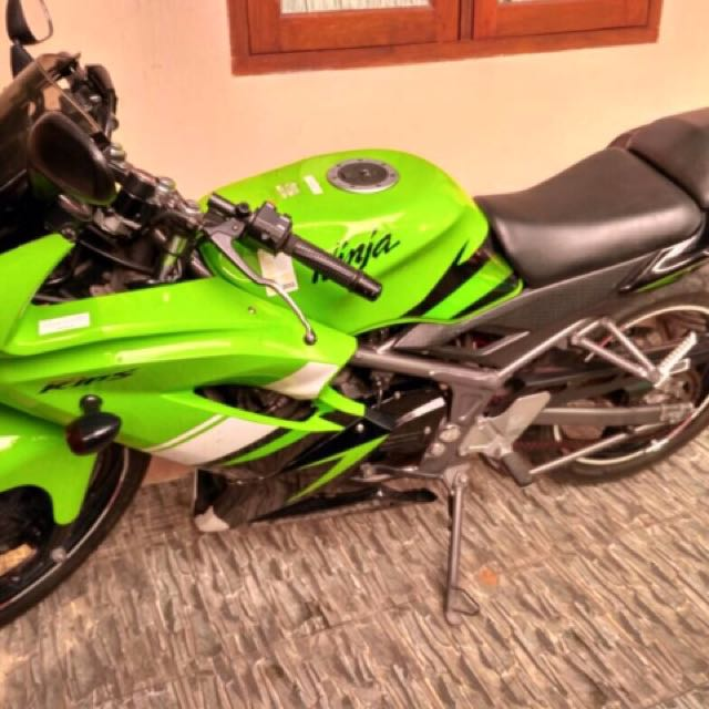 Kawasaki Ninja 150rr 2012