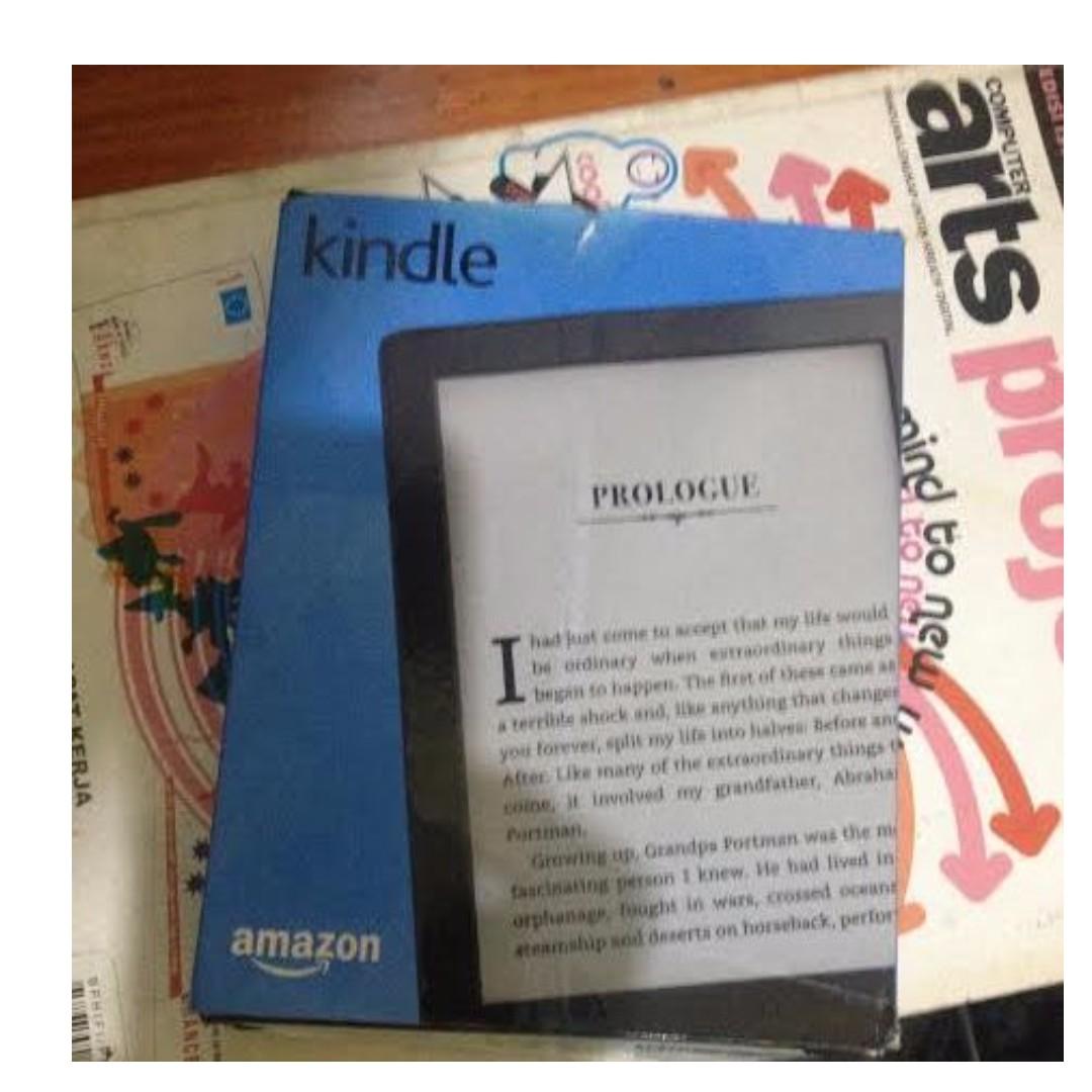 Kindle 8th Generation + Box