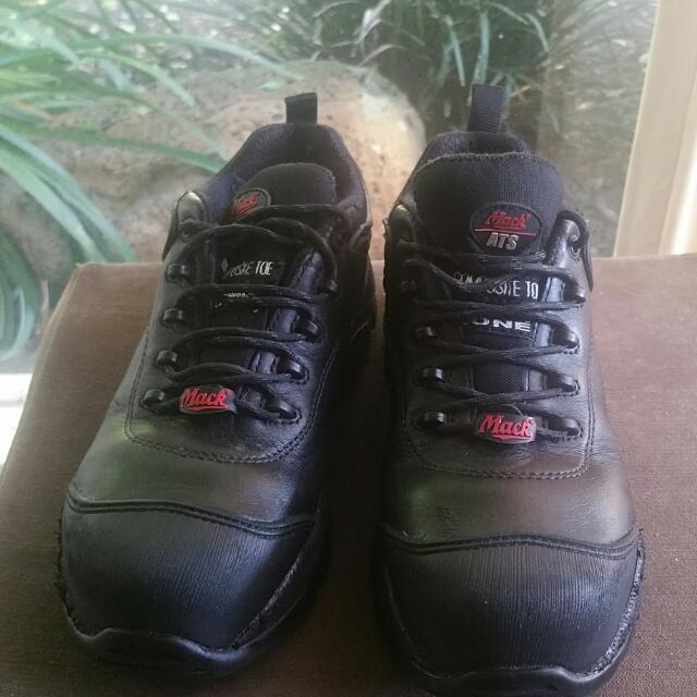 Mack Kelpie Sports Steel Toe Safety Shoe