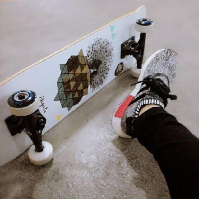 巴黎Magenta Skateboards文青藝術氣息中指貓街頭滑板