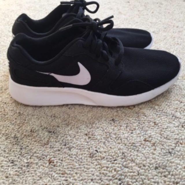 Nike Kaishi Shoes