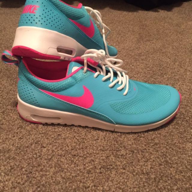 Nike Thea - Worn Once