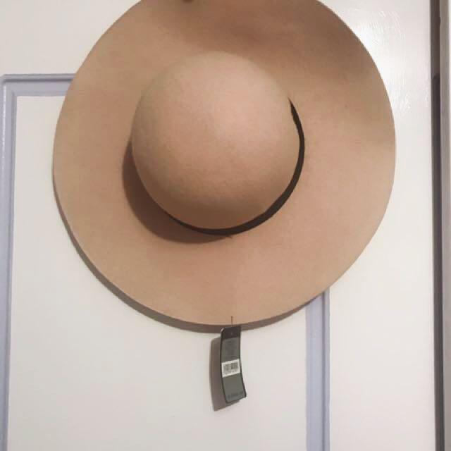 Pink Felt Wide Brim Hat