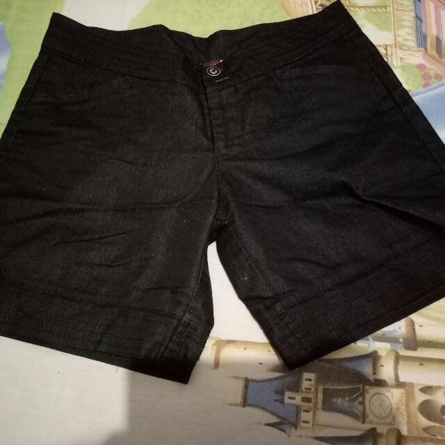 Preloved Hotpants Hitam
