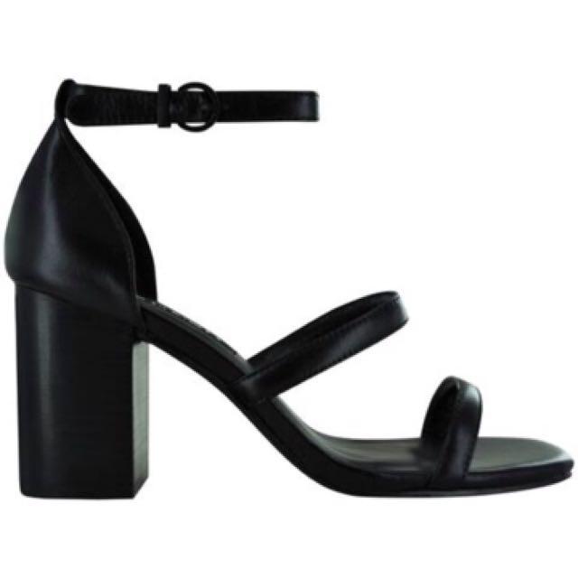 Robbie IV Leather Heels Size 38/7