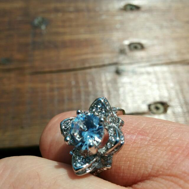 Silver ring In A Flower Design
