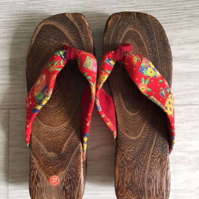 Southeast Asian Style Wooden Slippers