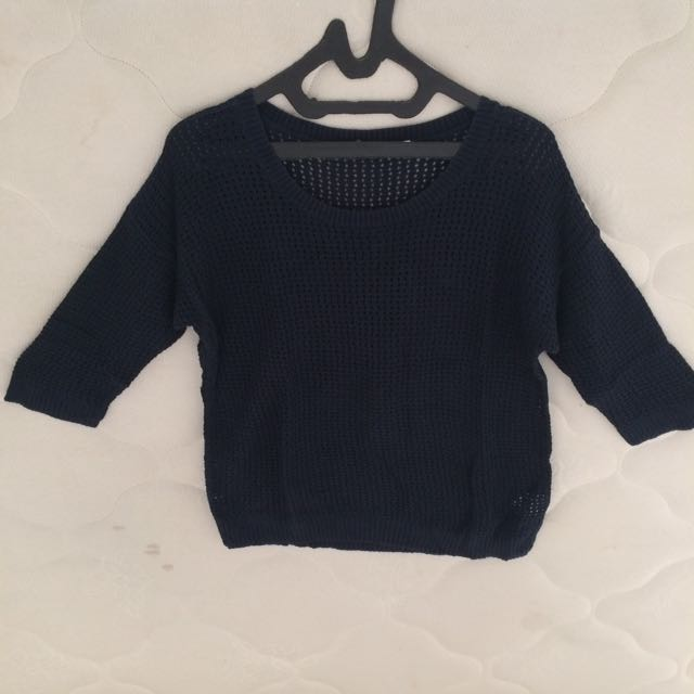 Sweater Navy Blue Uniqlo