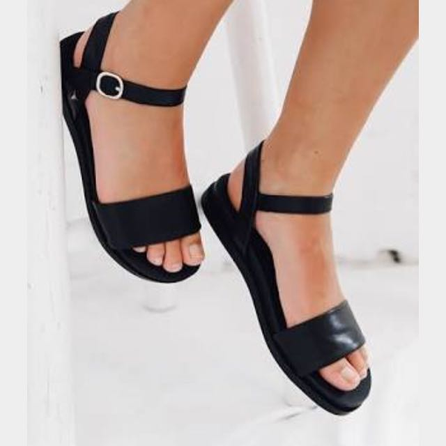 NEW Windsor Smith Sandals