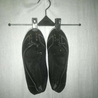 #tisgratis Flatshoes Hitam