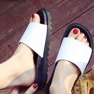 PO Slip-on Sandals