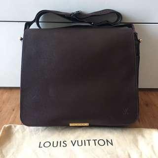 LOUIS VUITTON ORIGINAL MESSENGER BAG