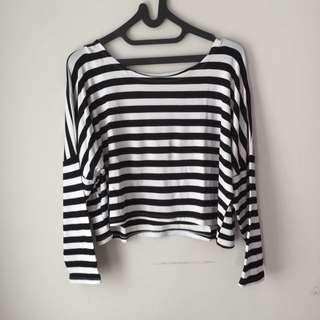 Maudy Blackwhite Sweater