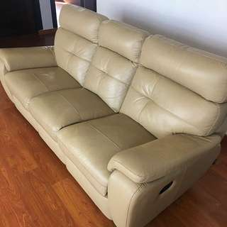 Leather Sofa 3 & 2 Seater ( Seats 5 Total ) with 4 flat lay option