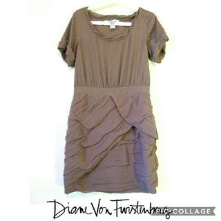 Diane Von Furstenburg DVF 100% silk wrap dress  size 10