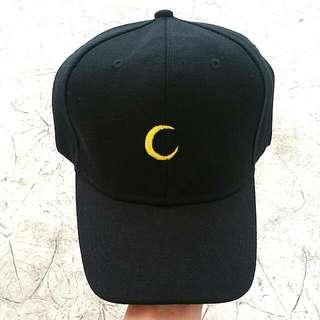 MOON BLACK BASEBALL CAP