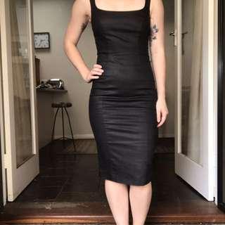 Size 8 Bardot LBD