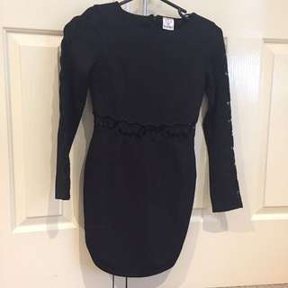 Bodycon Black Dress With Lace Patterns