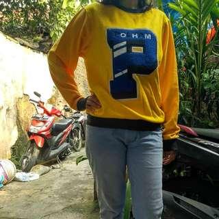 Preloved Sweater kuning