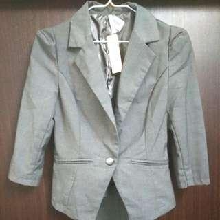 超低價出清再降價全新小女版八分袖西裝外套