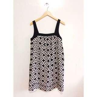 Black and White Sleeveless Dress