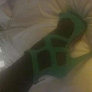Beautiful Green Heels Size 7