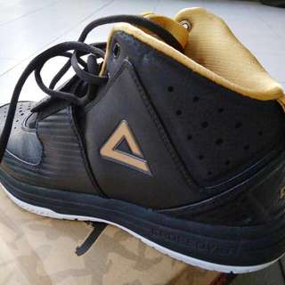 Sepatu Basket Peak Crossover