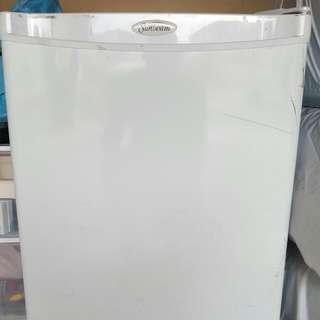 Sunbeam Mini-refridgerator