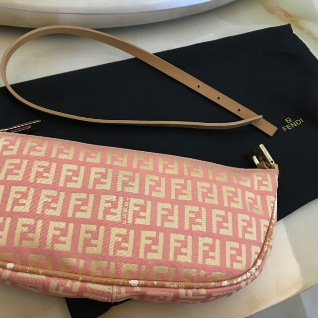 Fendi Clutch in Pink