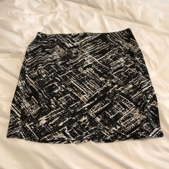 Black White Bodycon Right Skirt Mini