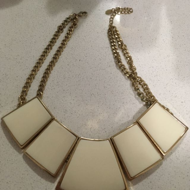 Chunky White Necklace