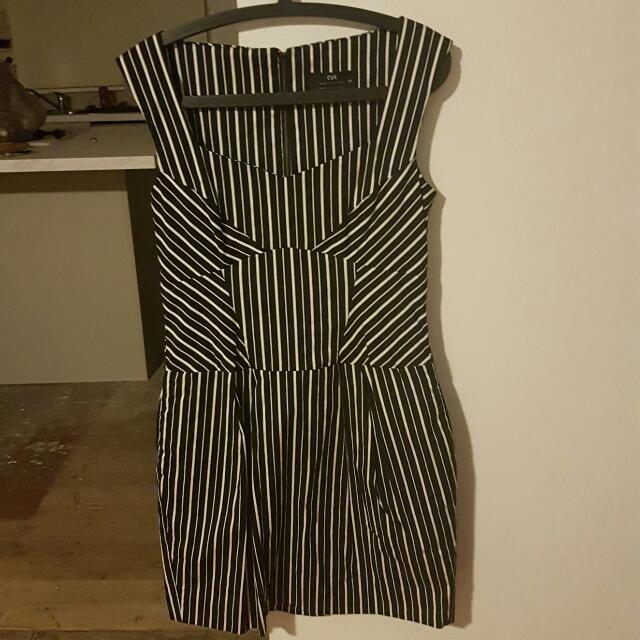 Cue Dress with pockets (Size 12)