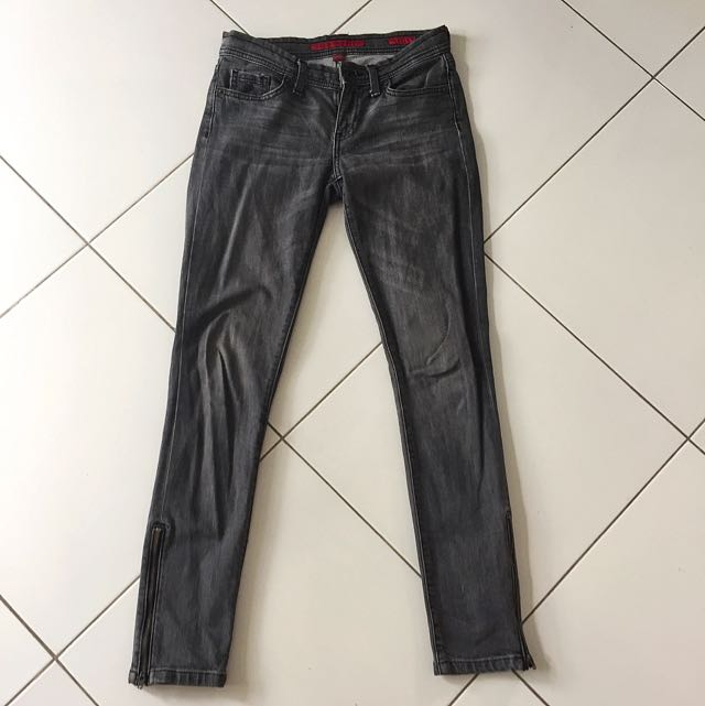Faded Black Maong Jeans