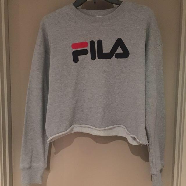 Fila Crop Sweater ( FILA print logo) Size M