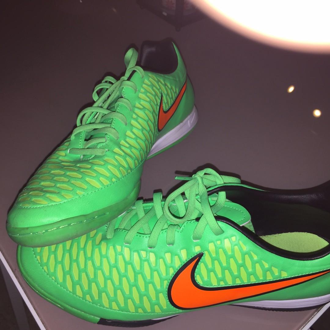 Gent's original NIKE Futsal shoes