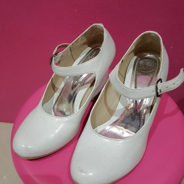 Heels Putih Merk 13th Shoes