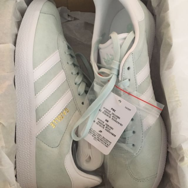 Ice mint adidas gazelle Size 7.5