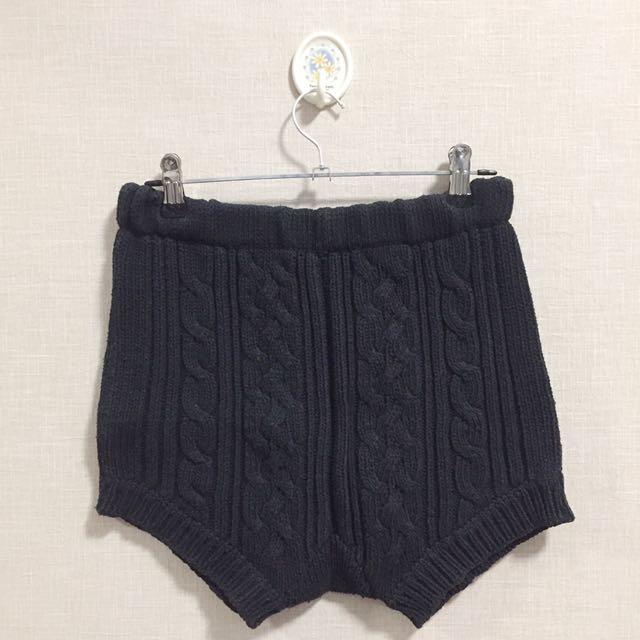 NIKICIO Cable Knitted Shorts