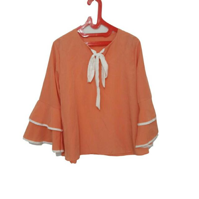 Peach Oranye Layer Trumpet Blouse