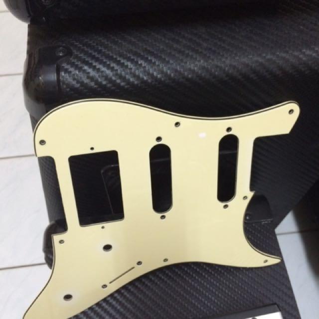 Pickguard Stratocaster 3-ply HSS Vintage Blonde/Krem