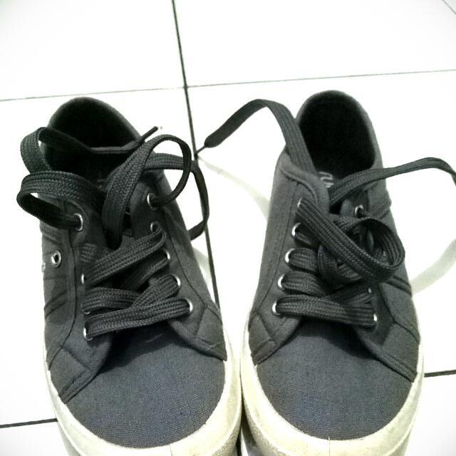 Re-selling Rubi Shoes (Cotton-on)