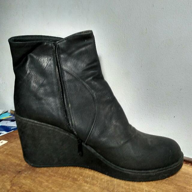 Sepatu Boots Elizabeth