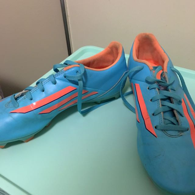 Size 7.5 Football Boots