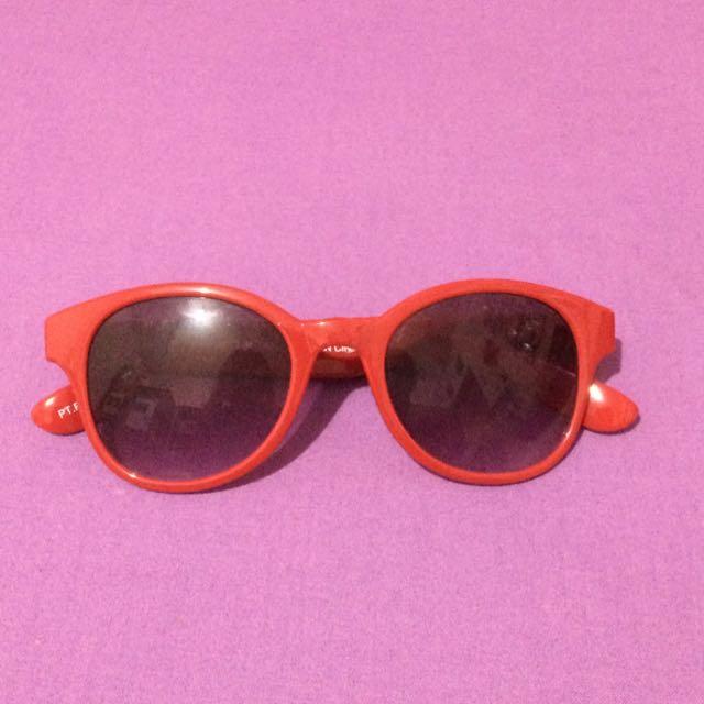 Sunglases by Uniqlo (kacamata)