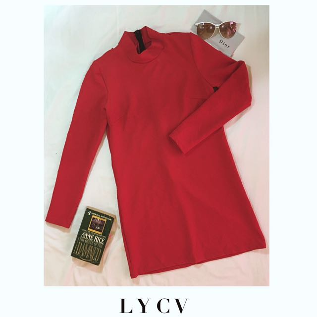 TWIGGY INSPIRED RED LONG SLEEVED RED DRESS